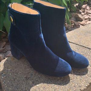 Super hot Blue suede boots